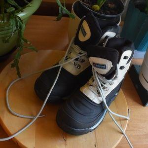 Alpine Design Hiking Boots